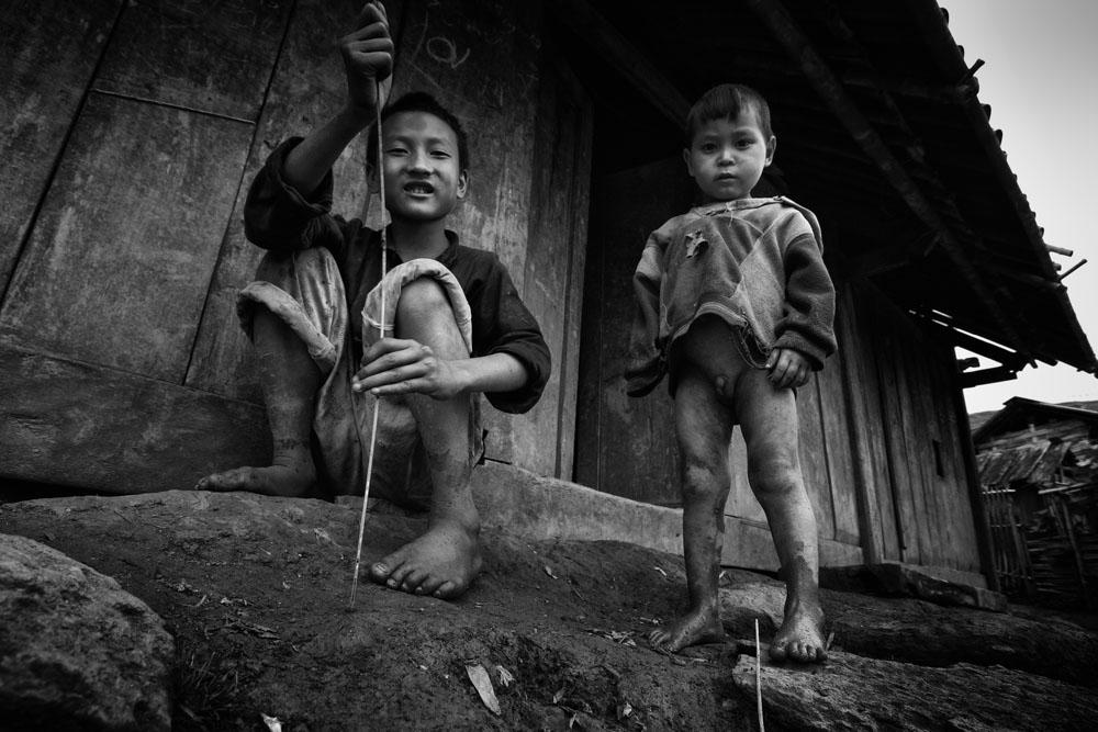 Sapa Black Hmong kids.
